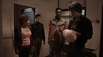 Отбросы 1 сезон 3 серия, кадр 33