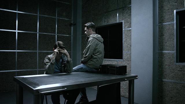 Отбросы 3 сезон 6 серия — смотреть онлайн бесплатно